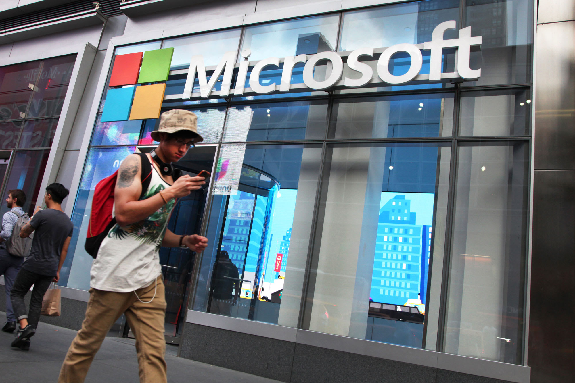 Microsoft is closing all of its retail stores